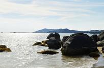 三亚天涯海角海滩礁石图片