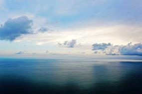 云蒸霞蔚青海湖