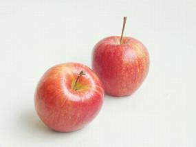 两个红苹果图片
