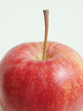 一个红苹果特写图