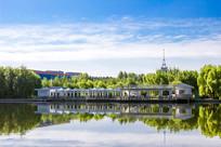 长春公园湖边观光长廊
