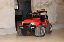 红色越野玩具小车