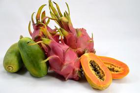 切开的木瓜和火龙果图
