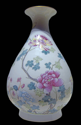 清宣統粉彩花卉玉壺春瓶