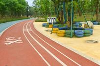 成都东风渠绿道公园彩色健身道