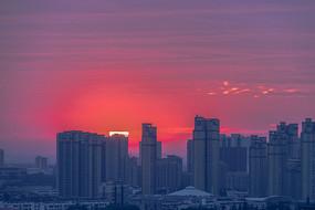 城市日出霞满天
