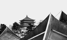 黑白钟楼照片