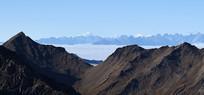 巴郎山遥望云海之上的贡嘎和田海子峰