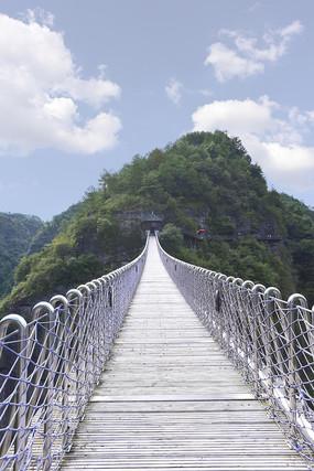 穿岩十九峰风景区的栈道