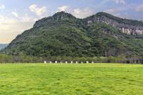 穿岩十九峰景区绿化草地