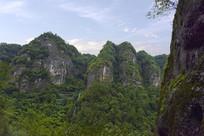 新昌穿岩十九峰景区的山脉