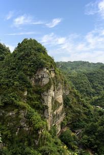 新昌十九峰景区的崇山峻岭