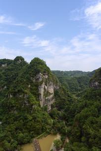 新昌十九峰景区的山峡风光