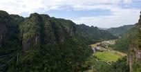 浙江新昌十九峰的大峡谷