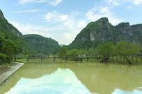 浙江新昌十九峰的湖景