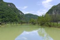 浙江新昌十九峰景区的湖