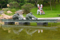 竞技体育运动皮划艇运动雕塑