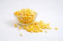 近拍新鲜玉米粒图