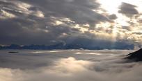理县九道海观赏雪隆包的云海霞光
