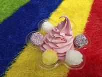 粉色冰激凌
