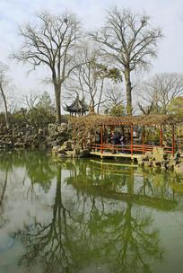 苏州留园小蓬莱水景园林