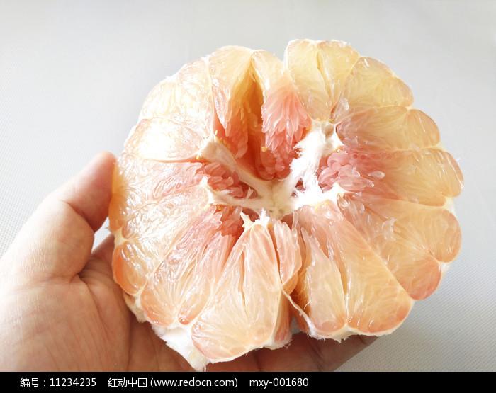 甜甜红心柚图片