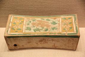 宋代三彩花纹瓷枕