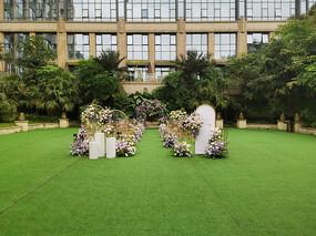 西式婚庆草坪现场布置