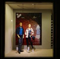 德国哈默尔恩步行街服装店橱窗