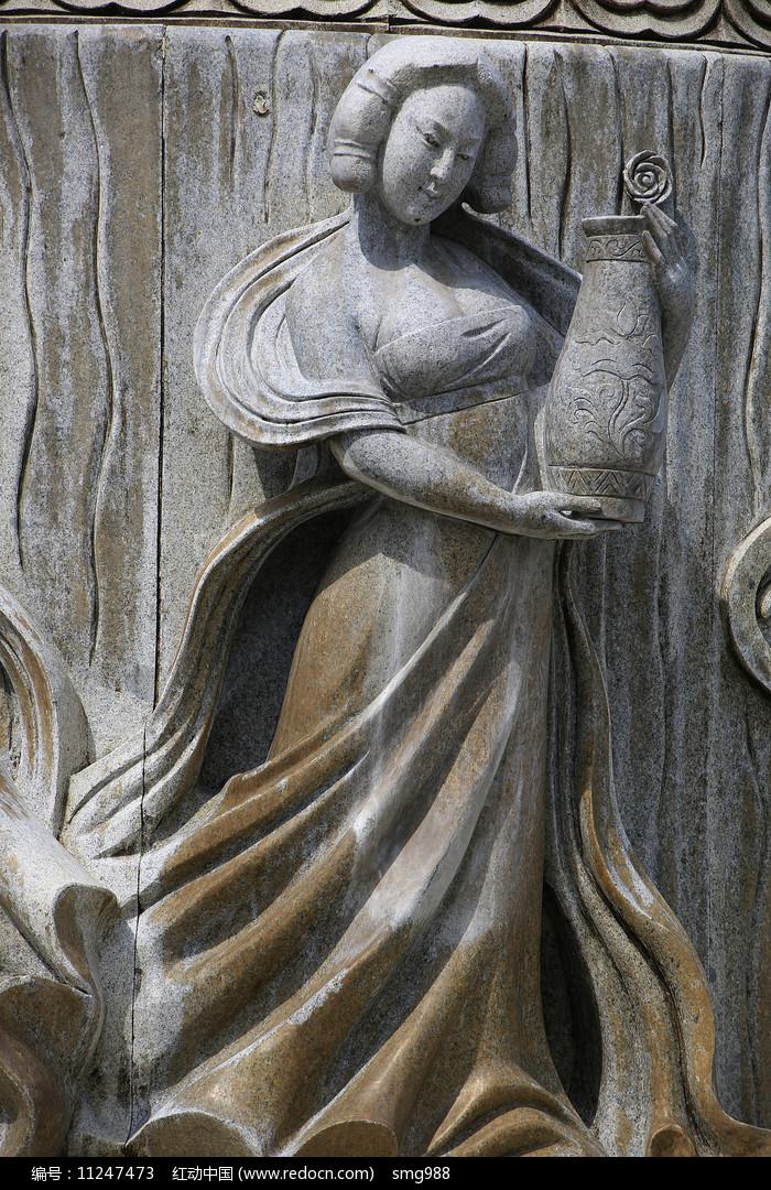 唐代丰韵美女雕像图片