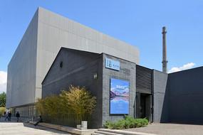 艺术区灰色建筑