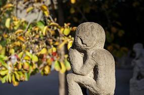 雕刻的猴子