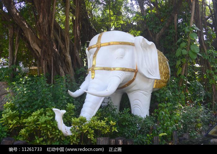 深圳南滨古榕大象雕塑图片