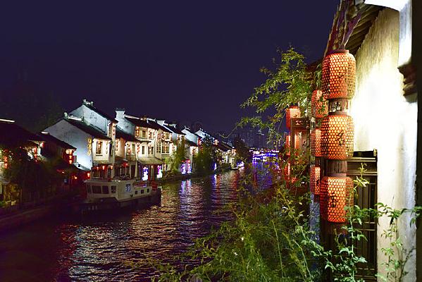 无锡清名桥古运河景区的红灯笼