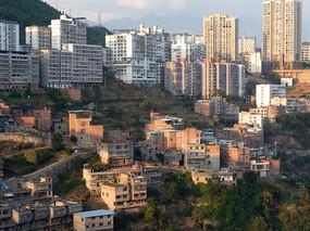 重庆巫山县城山坡上的民居
