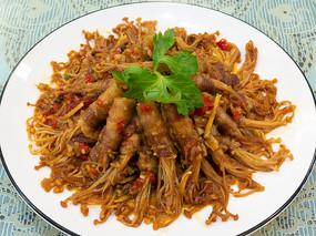 美味菜品香辣五花肉金针菇卷