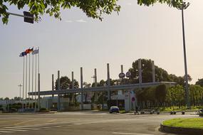 成都龙泉国际汽车城汽车工厂