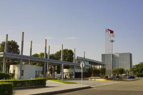成都龙泉国际汽车城一汽的工厂