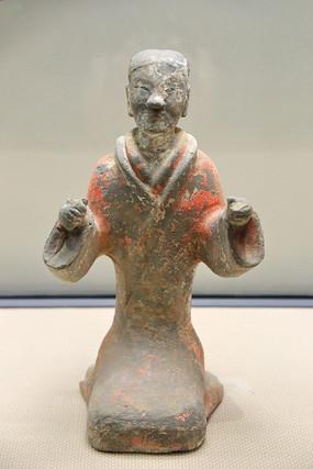 汉代彩绘跪坐乐俑