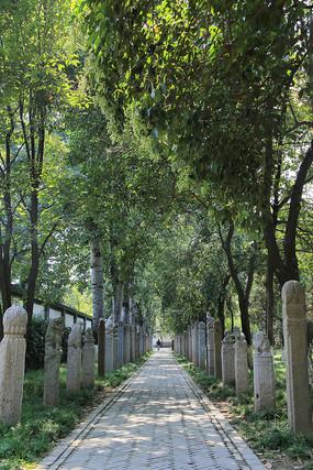 西安博物馆拴马桩石雕小路