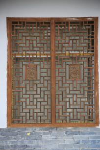 镂空木雕窗户