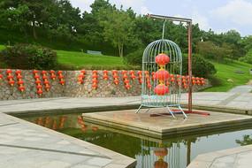中式水景园林-鸟笼和红灯笼