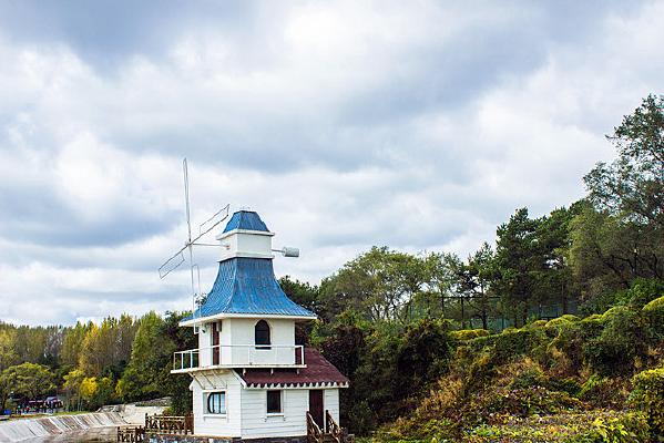净月潭森林公园风车塔