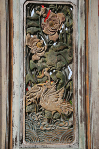 清代木雕门牡丹仙鹤