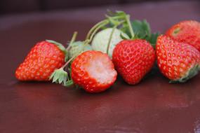 静物水果草莓