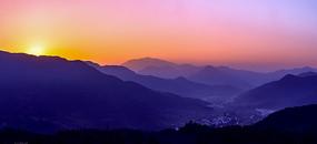 江岭山峦日出
