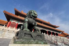 故宫太和门铜狮子
