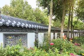中式砖雕围墙
