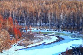 林海雪原冰封河流