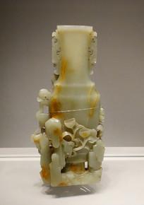 青玉高浮雕岩凤牡丹纹扁瓶
